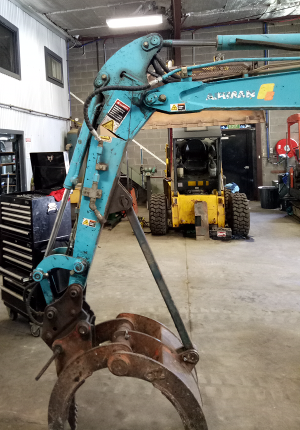 Tractor Repair Arm Level : Aces australian construction equipment sales service